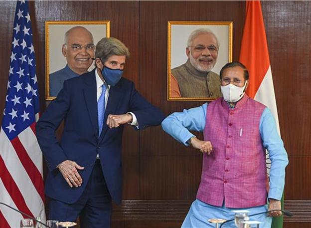 US climate envoy John Kerry and India Union Minister Prakash Javadekar